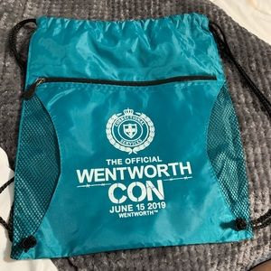 WENTWORTH CON official drawstring bag!